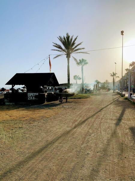 マラガの海沿いのサイクリングコース